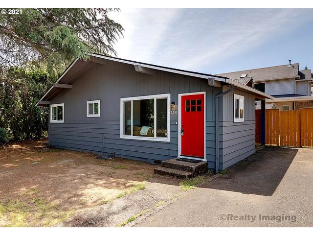 2231 SE 130TH Ave, Portland, OR 97233 (MLS #21303343) :: Fox Real Estate Group