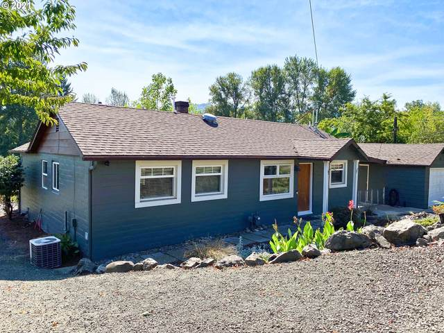929 Broadway St, Roseburg, OR 97471 (MLS #21303702) :: Townsend Jarvis Group Real Estate