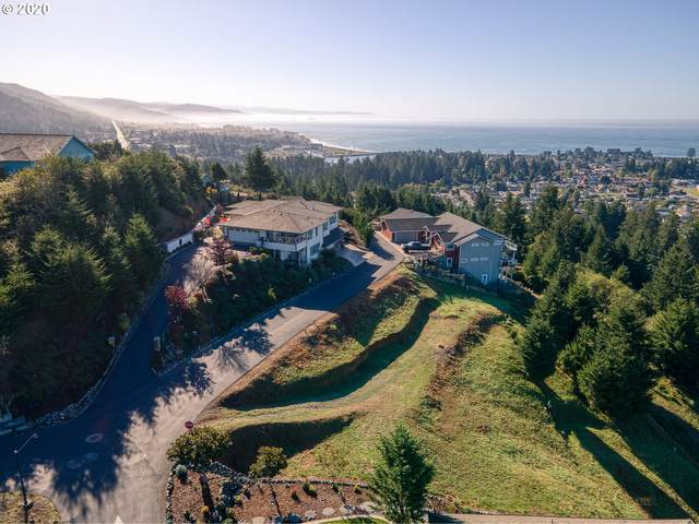 6878 Pacific Terrace Dr, Brookings, OR 97415 (MLS #21310274) :: Holdhusen Real Estate Group