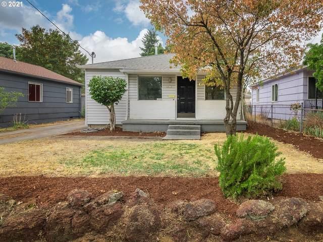 6811 SE 87TH Ave, Portland, OR 97266 (MLS #21311477) :: McKillion Real Estate Group