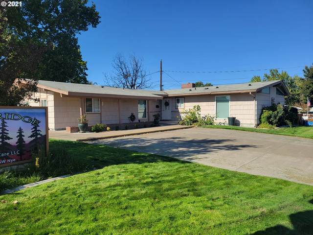 2801 SW Nye Ave, Pendleton, OR 97801 (MLS #21313423) :: Cano Real Estate