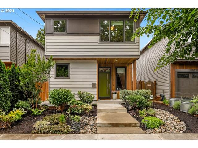 3357 SE 16TH Ave, Portland, OR 97202 (MLS #21313474) :: The Haas Real Estate Team