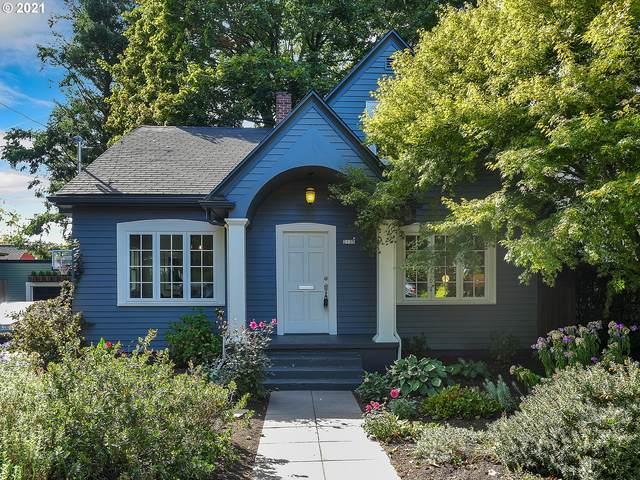 2135 NE 37TH Ave, Portland, OR 97212 (MLS #21317260) :: Cano Real Estate