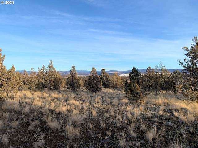 NW Pinecrest Dr, Prineville, OR 97754 (MLS #21318871) :: Song Real Estate