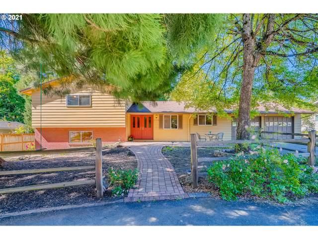 4175 SW Crestwood Dr, Portland, OR 97225 (MLS #21319256) :: Premiere Property Group LLC