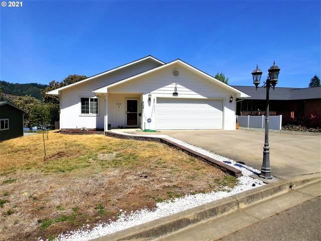 248 Mona St, Myrtle Creek, OR 97457 (MLS #21319258) :: The Haas Real Estate Team