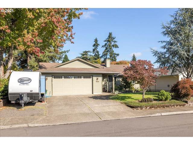 9825 SW Kimberly Dr, Tigard, OR 97224 (MLS #21319837) :: Premiere Property Group LLC