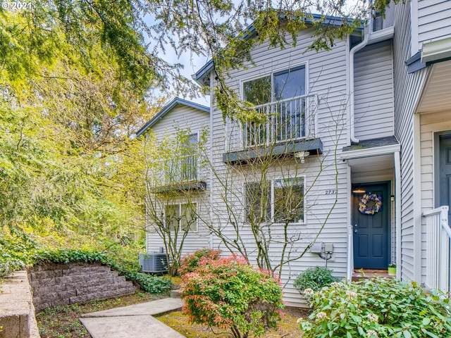 2732 SW Beaverton Hillsdale Hwy, Portland, OR 97239 (MLS #21320930) :: Townsend Jarvis Group Real Estate