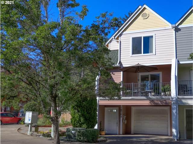 14703 NE Couch St, Portland, OR 97230 (MLS #21322744) :: Coho Realty