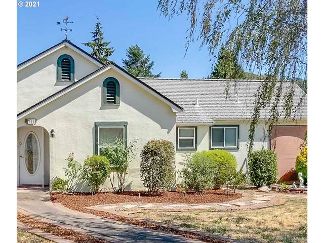 311 NE First Ave, Myrtle Creek, OR 97457 (MLS #21324450) :: Fox Real Estate Group