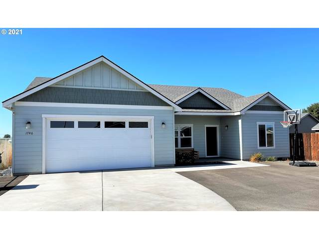 1746 SW 9TH St, Hermiston, OR 97838 (MLS #21326922) :: Fox Real Estate Group