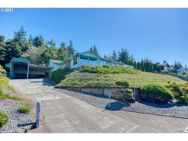 705 Prefontaine Dr, Coos Bay, OR 97420 (MLS #21336021) :: The Pacific Group