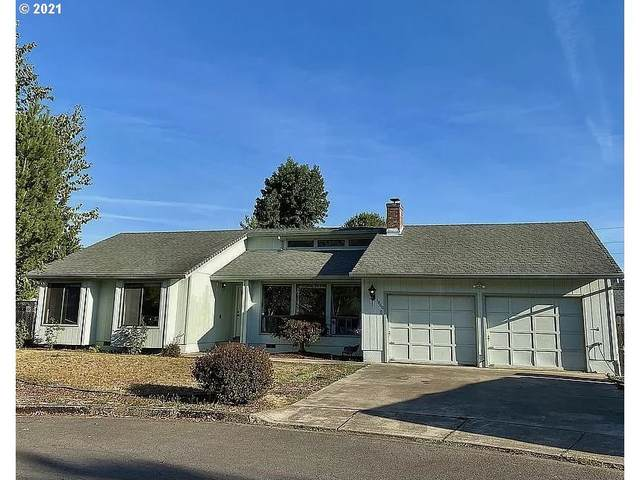 1860 Jasper Ave, Sutherlin, OR 97479 (MLS #21336697) :: Townsend Jarvis Group Real Estate