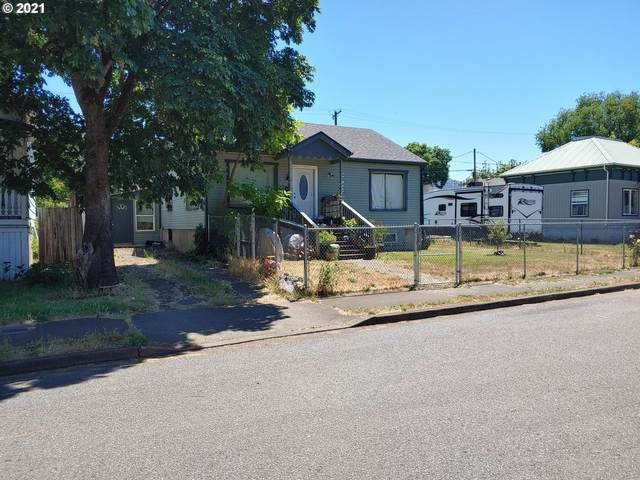 1423 SE Mill St, Roseburg, OR 97470 (MLS #21336698) :: Townsend Jarvis Group Real Estate