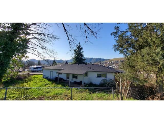 2038 Gale St, Roseburg, OR 97471 (MLS #21337390) :: Townsend Jarvis Group Real Estate