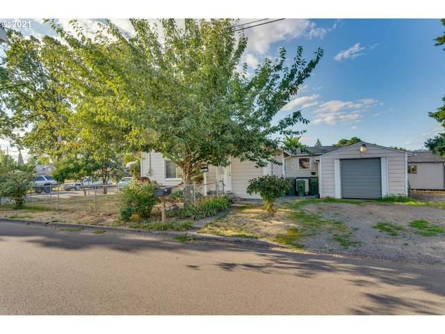 1401 E 11TH St, Newberg, OR 97132 (MLS #21337794) :: McKillion Real Estate Group