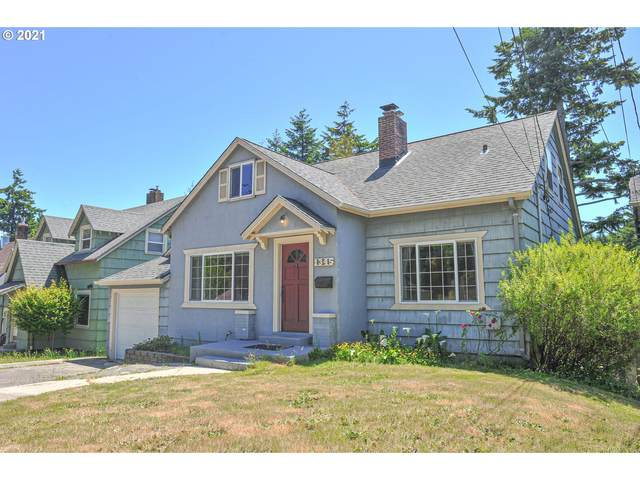 1345 Central Ave, Coos Bay, OR 97420 (MLS #21338271) :: The Liu Group