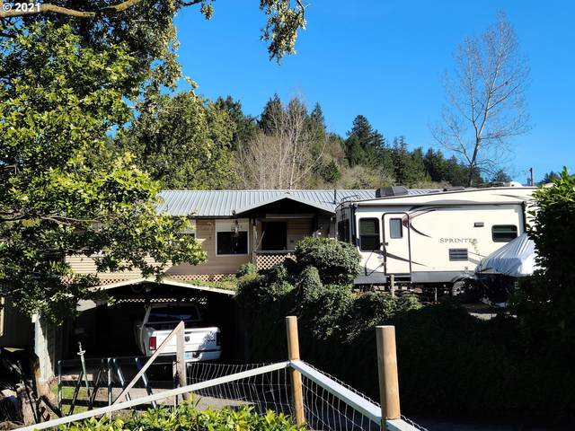 700 1ST Ave, Powers, OR 97466 (MLS #21338533) :: Townsend Jarvis Group Real Estate