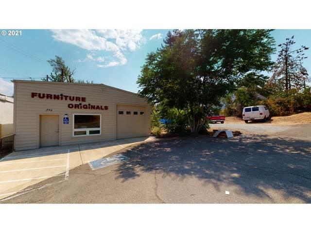 750 NE Division St, Myrtle Creek, OR 97457 (MLS #21341578) :: Premiere Property Group LLC
