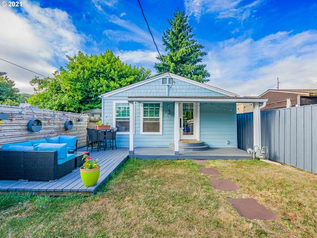 905 W 20TH St, Vancouver, WA 98660 (MLS #21341626) :: Fox Real Estate Group