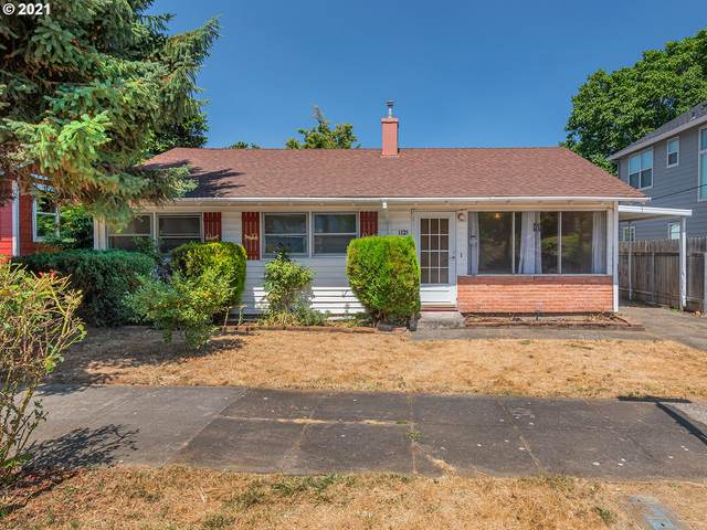 1135 NE Holland St, Portland, OR 97211 (MLS #21348355) :: The Haas Real Estate Team