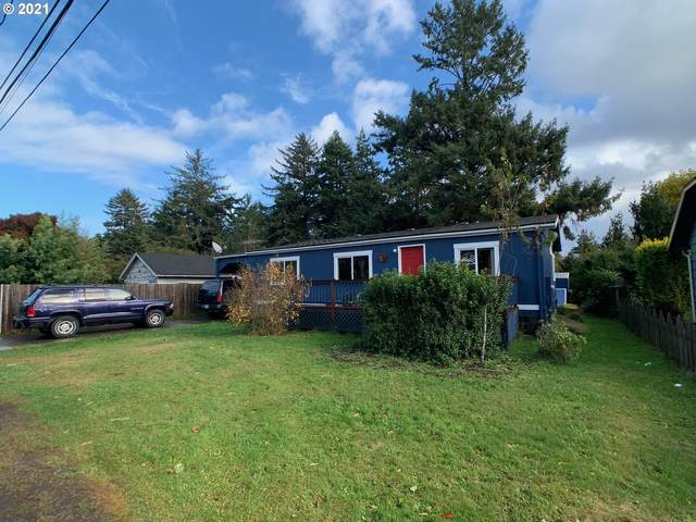 242 Lexington Ave, Bandon, OR 97411 (MLS #21350285) :: Townsend Jarvis Group Real Estate