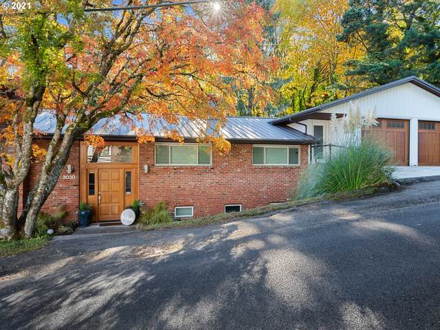 3030 SW Sherwood Pl, Portland, OR 97201 (MLS #21352763) :: Real Tour Property Group