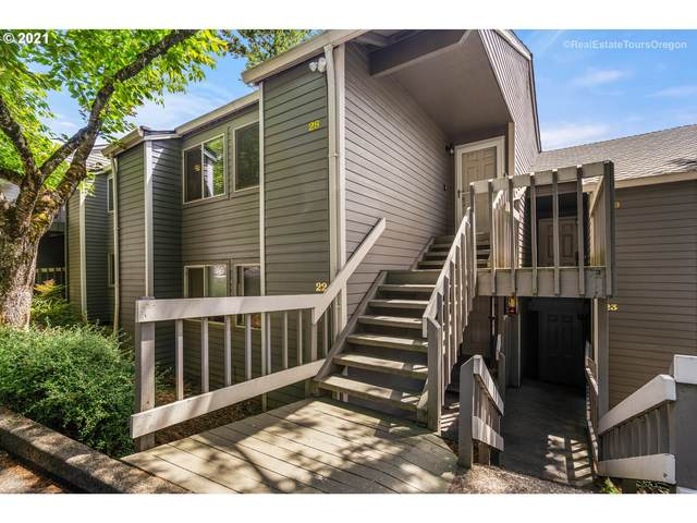 44 Eagle Crest Dr #28, Lake Oswego, OR 97035 (MLS #21353488) :: Lux Properties