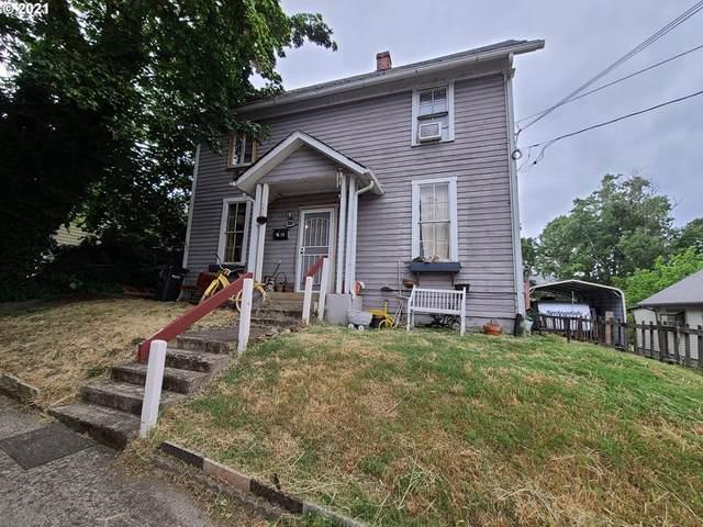 1621 SE Mill St, Roseburg, OR 97470 (MLS #21353665) :: McKillion Real Estate Group