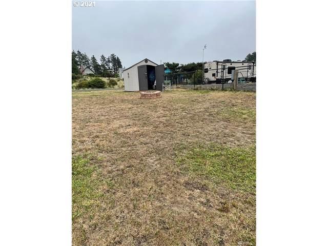 30705 I St, Ocean Park, WA 98640 (MLS #21356692) :: Beach Loop Realty