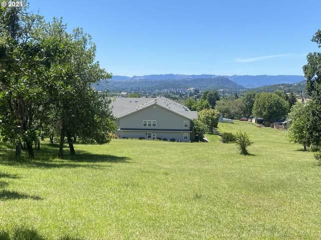 1448 NE Rocky Ridge Dr, Roseburg, OR 97470 (MLS #21357627) :: Townsend Jarvis Group Real Estate