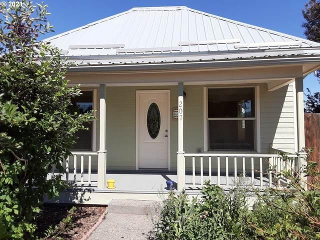 207 NE First St, Enterprise, OR 97828 (MLS #21364934) :: Holdhusen Real Estate Group