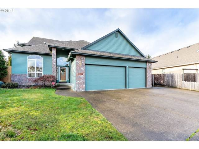 2735 SE Hacienda Loop, Gresham, OR 97080 (MLS #21365180) :: Beach Loop Realty