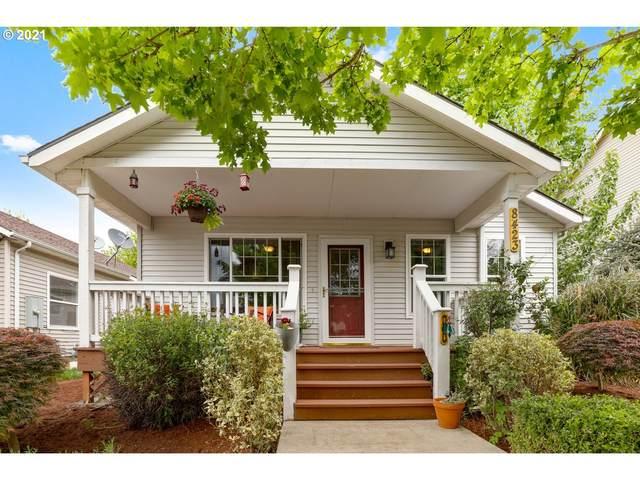 8423 N Johnswood Dr, Portland, OR 97203 (MLS #21366419) :: Holdhusen Real Estate Group