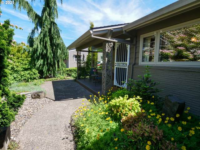 7708 SE Grant St, Portland, OR 97215 (MLS #21366889) :: Real Tour Property Group