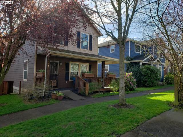 5025 N Newark St, Portland, OR 97203 (MLS #21369380) :: Brantley Christianson Real Estate