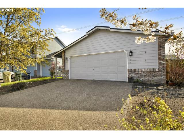 696 SW 215TH Ave, Beaverton, OR 97003 (MLS #21369731) :: The Pacific Group