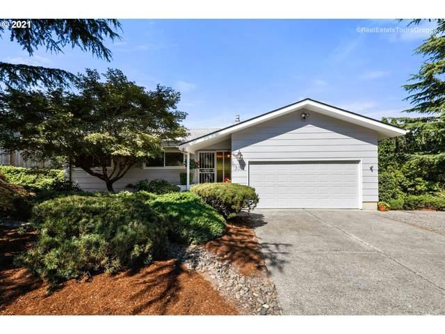 9348 SE Sun Crest Dr, Happy Valley, OR 97086 (MLS #21371005) :: Premiere Property Group LLC