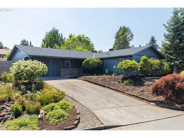2910 SW Collins Ct, Portland, OR 97219 (MLS #21371779) :: Tim Shannon Realty, Inc.