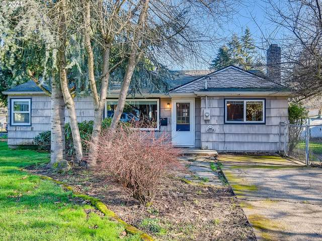7956 SE 19TH Ave, Portland, OR 97202 (MLS #21372772) :: Cano Real Estate