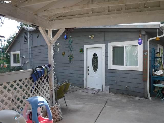 894 Krewson Dr, Drain, OR 97435 (MLS #21374019) :: McKillion Real Estate Group
