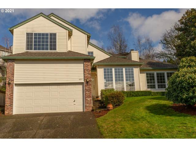6317 SW Bently Ct, Portland, OR 97219 (MLS #21379299) :: Brantley Christianson Real Estate