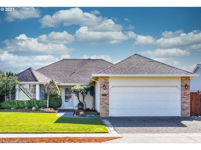 2234 SE 74TH Ave, Hillsboro, OR 97123 (MLS #21379525) :: Fox Real Estate Group