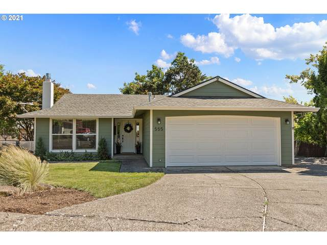 555 Collins Crest St, Gladstone, OR 97027 (MLS #21380816) :: Townsend Jarvis Group Real Estate