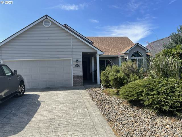 68 Spyglass Ln, Florence, OR 97439 (MLS #21380965) :: Song Real Estate