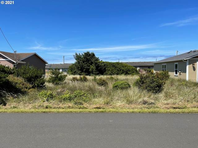 1702 NW Parker Ave, Waldport, OR 97394 (MLS #21382278) :: Beach Loop Realty