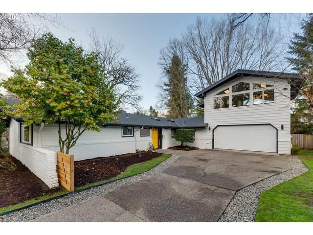 12225 SW Lynnridge Ave, Portland, OR 97225 (MLS #21387632) :: Duncan Real Estate Group