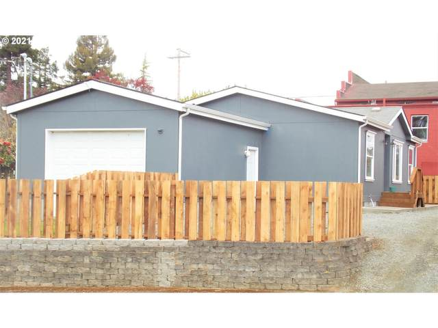 207 Maple St, Myrtle Point, OR 97458 (MLS #21387635) :: Cano Real Estate