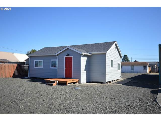 130 S 7TH, Lakeside, OR 97449 (MLS #21387860) :: Townsend Jarvis Group Real Estate