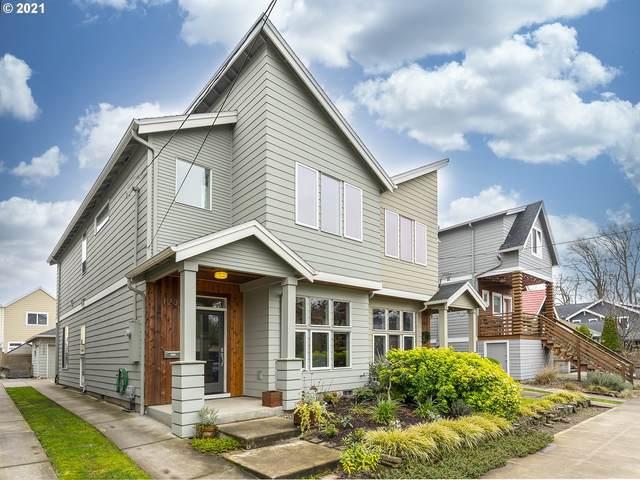 1230 SE Lambert St, Portland, OR 97202 (MLS #21391772) :: Townsend Jarvis Group Real Estate